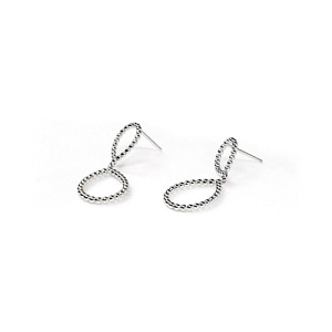 SWINGING DROP Earring